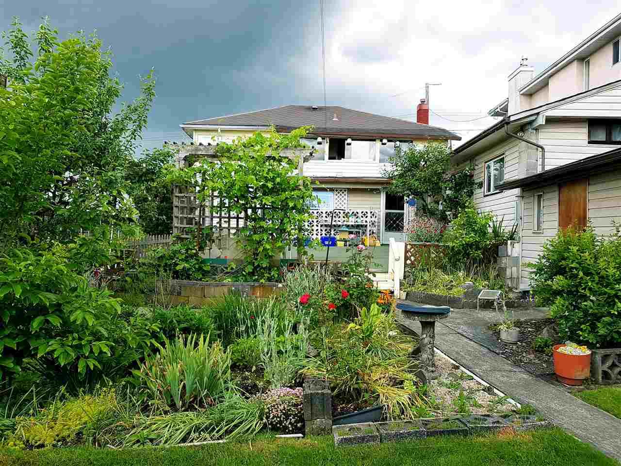 Detached at 3912 NAPIER STREET, Burnaby North, British Columbia. Image 4