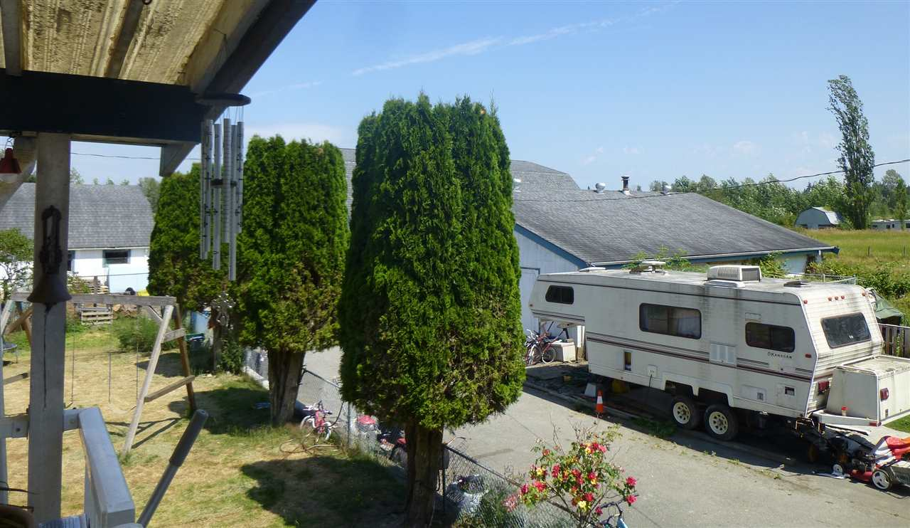 Detached at 22631 OLD YALE ROAD, Langley, British Columbia. Image 3