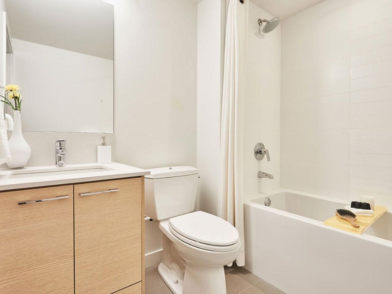 Condo Apartment at 205 10581 140TH STREET, Unit 205, North Surrey, British Columbia. Image 3