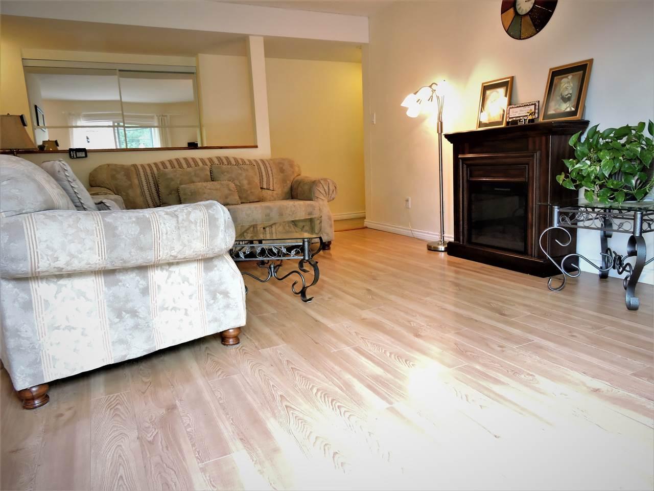Condo Apartment at 6 38171 WESTWAY AVENUE, Unit 6, Squamish, British Columbia. Image 2