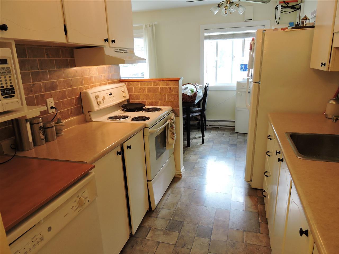 Condo Apartment at 6 38171 WESTWAY AVENUE, Unit 6, Squamish, British Columbia. Image 4