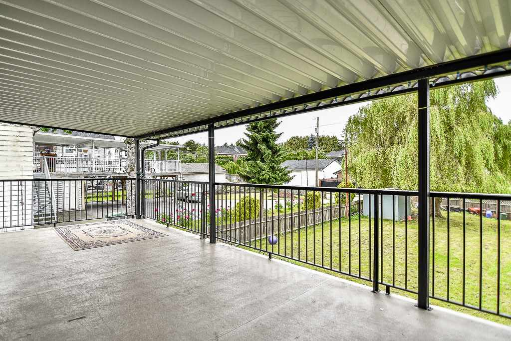 Detached at 13475 64 AVENUE, Surrey, British Columbia. Image 17
