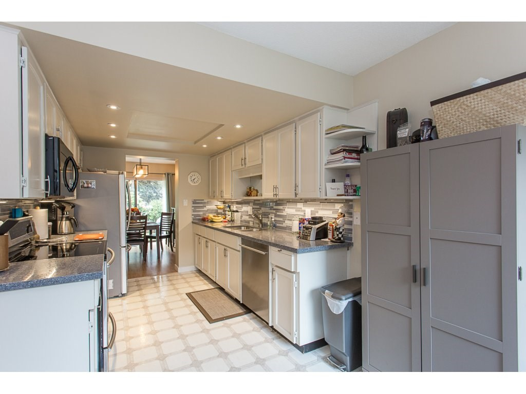 Townhouse at 11 32917 AMICUS PLACE, Unit 11, Abbotsford, British Columbia. Image 3