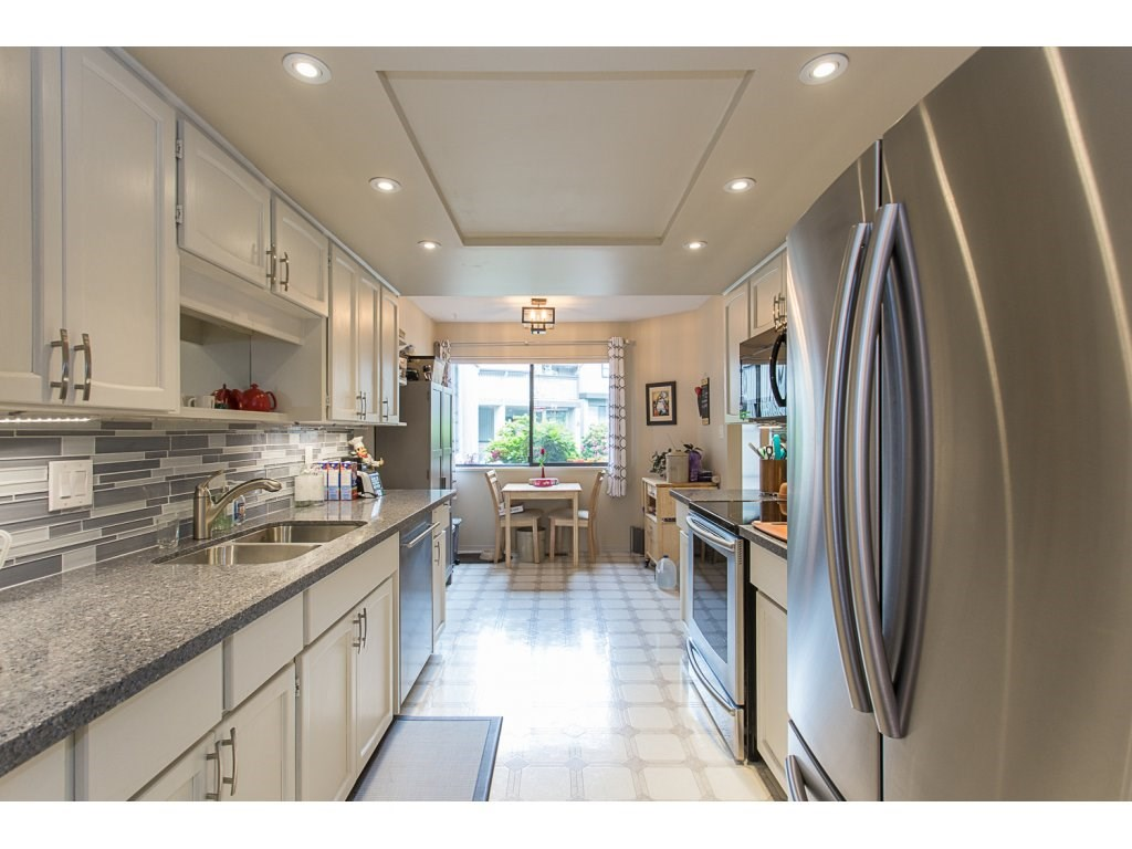 Townhouse at 11 32917 AMICUS PLACE, Unit 11, Abbotsford, British Columbia. Image 4