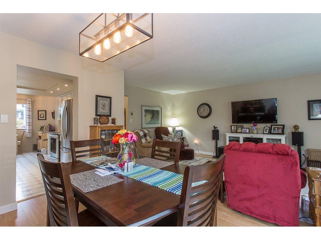 Townhouse at 11 32917 AMICUS PLACE, Unit 11, Abbotsford, British Columbia. Image 6