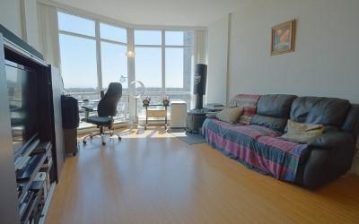 Condo Apartment at 2103 13399 104 AVENUE, Unit 2103, North Surrey, British Columbia. Image 11