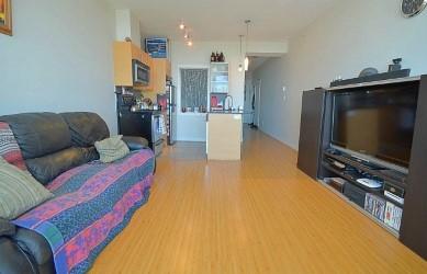 Condo Apartment at 2103 13399 104 AVENUE, Unit 2103, North Surrey, British Columbia. Image 16