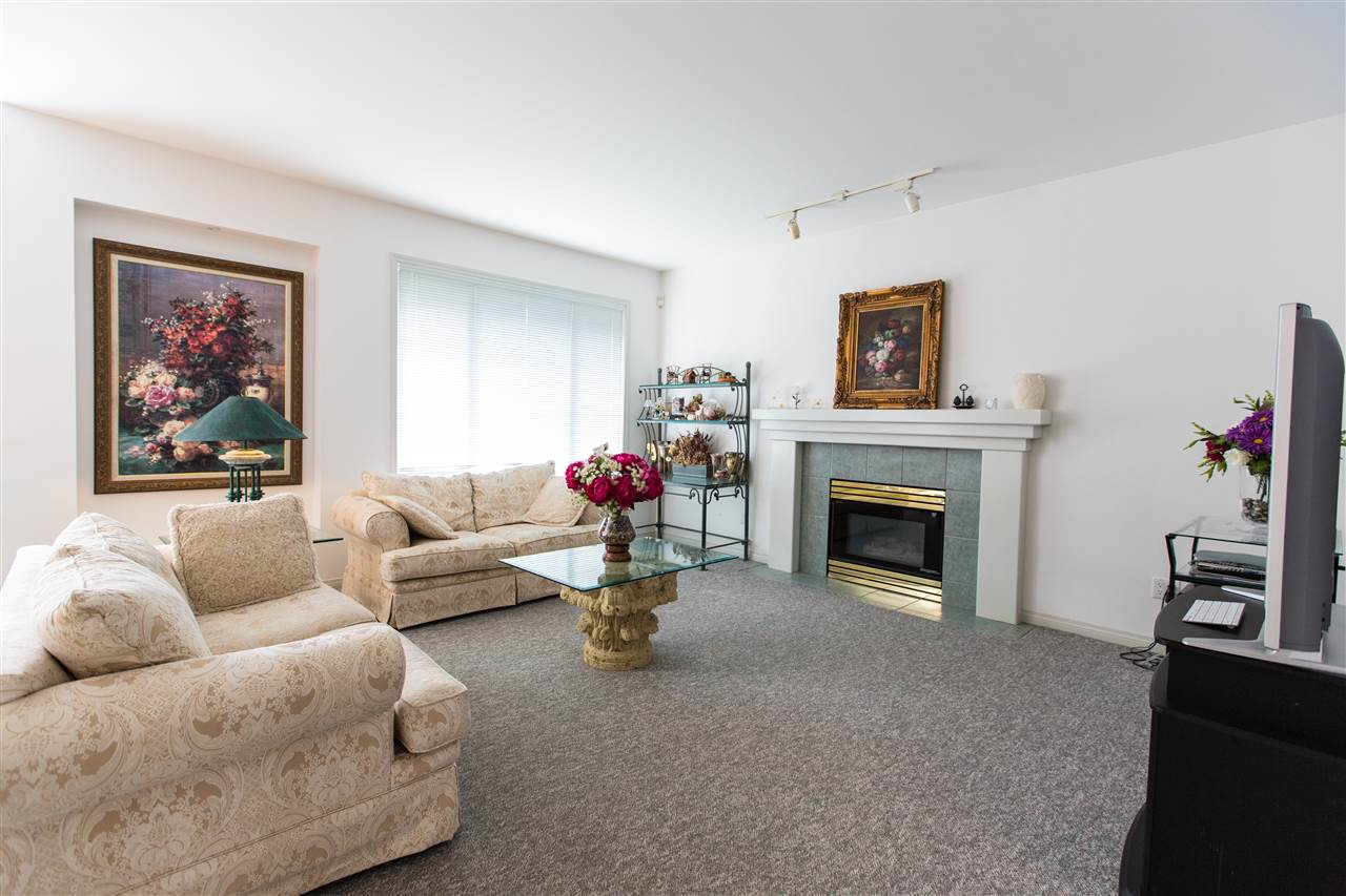 Detached at 3240 WESTMINSTER HIGHWAY, Richmond, British Columbia. Image 3