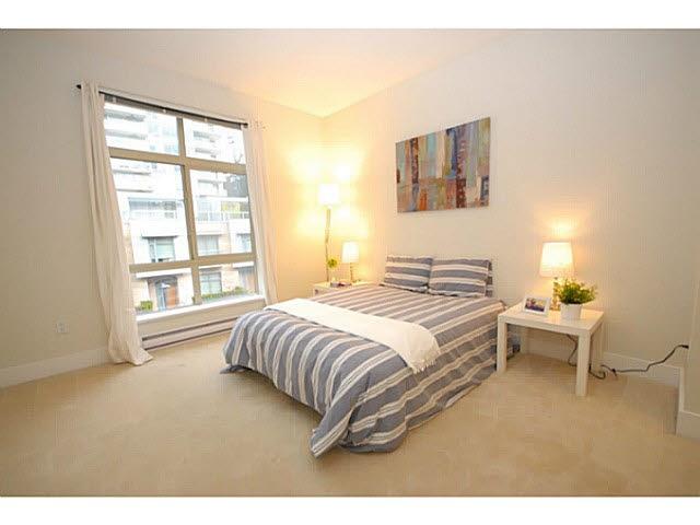 Condo Apartment at 319 5777 BIRNEY AVENUE, Unit 319, Vancouver West, British Columbia. Image 6