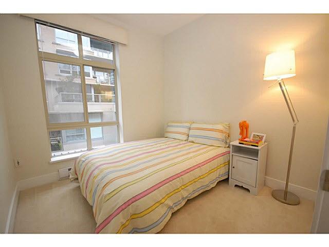 Condo Apartment at 319 5777 BIRNEY AVENUE, Unit 319, Vancouver West, British Columbia. Image 8