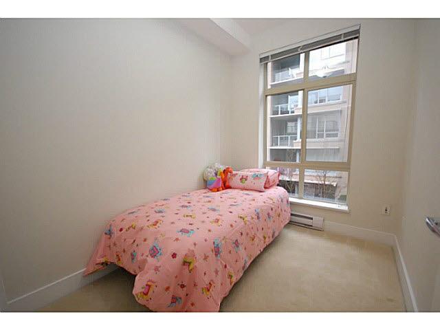 Condo Apartment at 319 5777 BIRNEY AVENUE, Unit 319, Vancouver West, British Columbia. Image 9