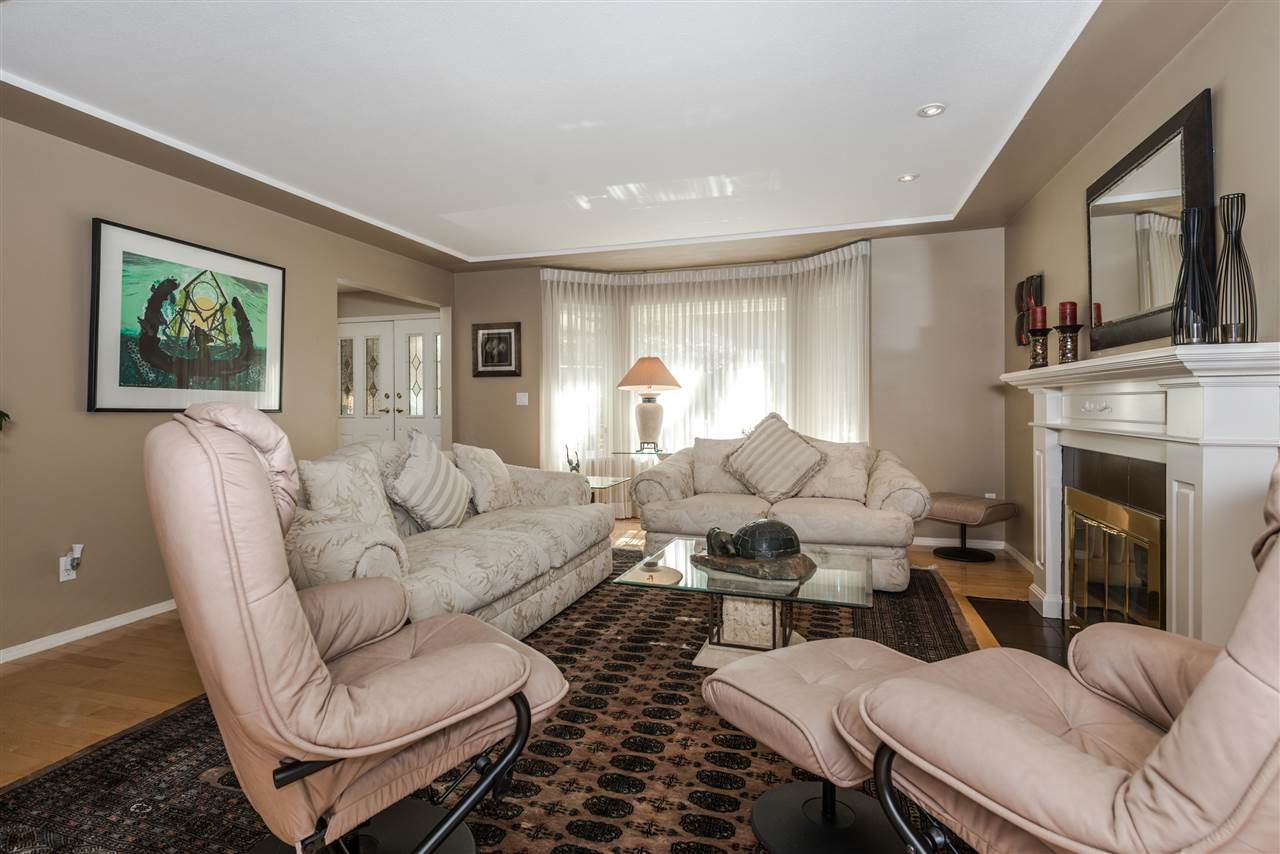 Detached at 13145 22A AVENUE, South Surrey White Rock, British Columbia. Image 3