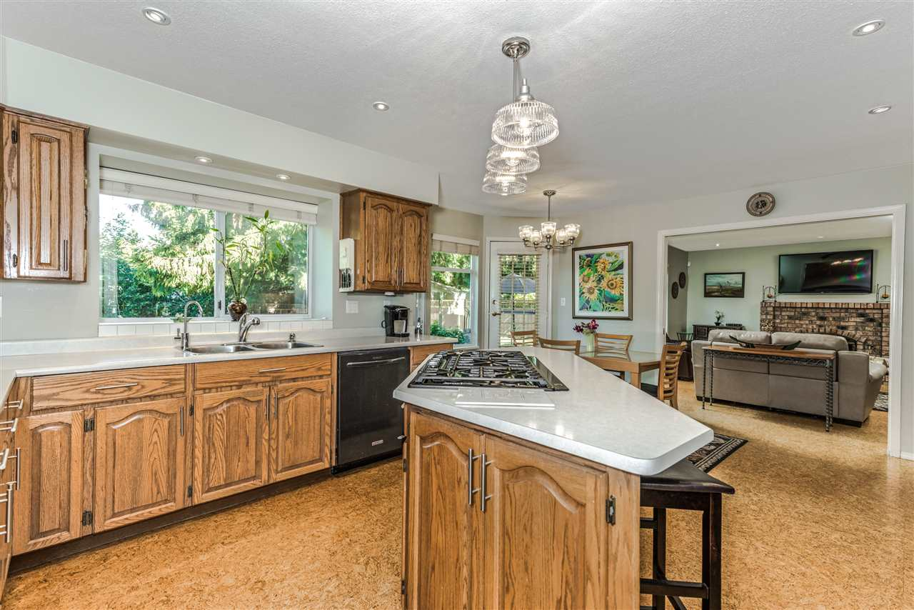 Detached at 13145 22A AVENUE, South Surrey White Rock, British Columbia. Image 8