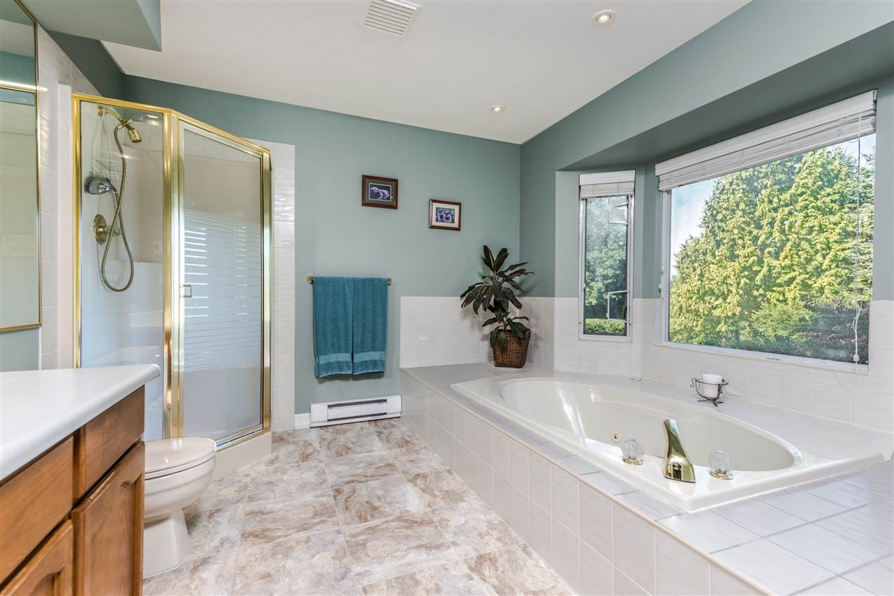 Detached at 13145 22A AVENUE, South Surrey White Rock, British Columbia. Image 16