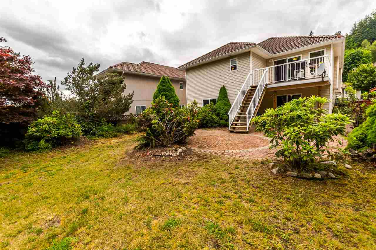 Detached at 1477 GALETTE PLACE, Coquitlam, British Columbia. Image 11