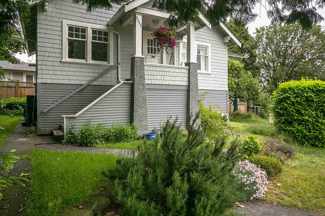 Detached at 8386 EAST BOULEVARD, Vancouver West, British Columbia. Image 2