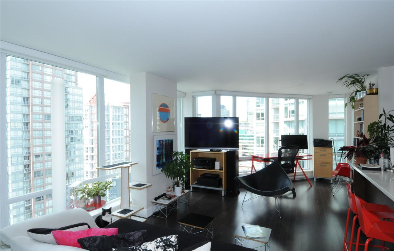 Condo Apartment at 1807 535 SMITHE STREET, Unit 1807, Vancouver West, British Columbia. Image 3
