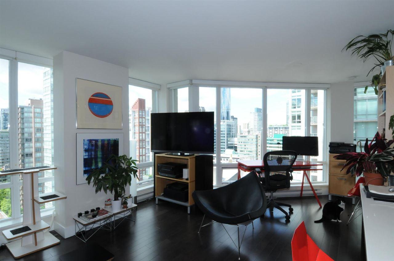 Condo Apartment at 1807 535 SMITHE STREET, Unit 1807, Vancouver West, British Columbia. Image 5