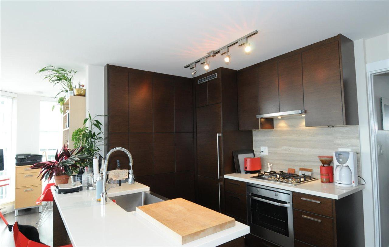 Condo Apartment at 1807 535 SMITHE STREET, Unit 1807, Vancouver West, British Columbia. Image 6
