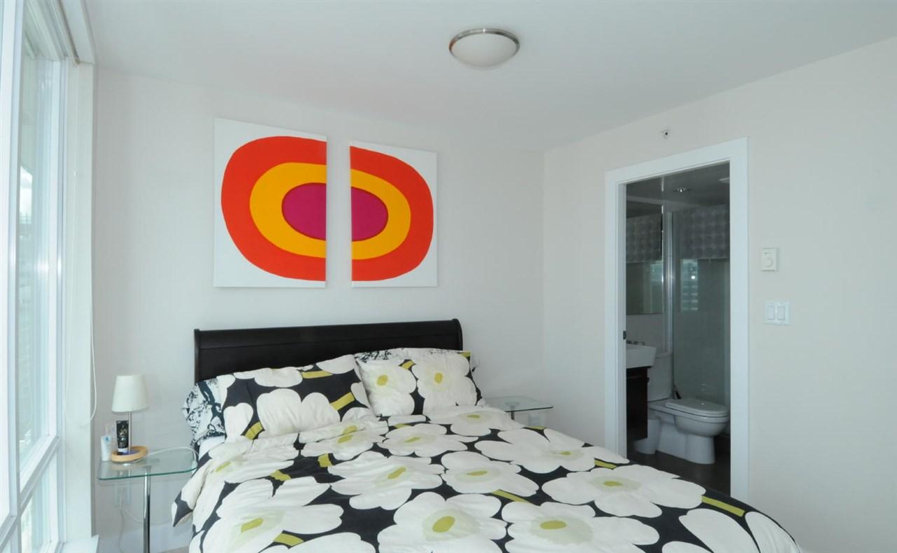 Condo Apartment at 1807 535 SMITHE STREET, Unit 1807, Vancouver West, British Columbia. Image 7