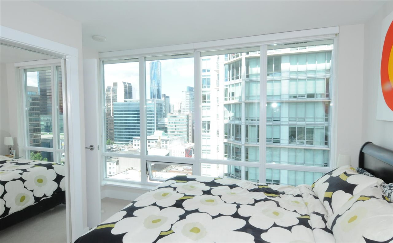 Condo Apartment at 1807 535 SMITHE STREET, Unit 1807, Vancouver West, British Columbia. Image 8