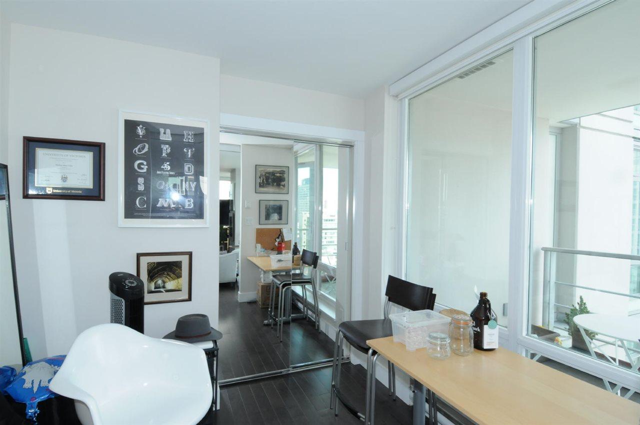 Condo Apartment at 1807 535 SMITHE STREET, Unit 1807, Vancouver West, British Columbia. Image 10