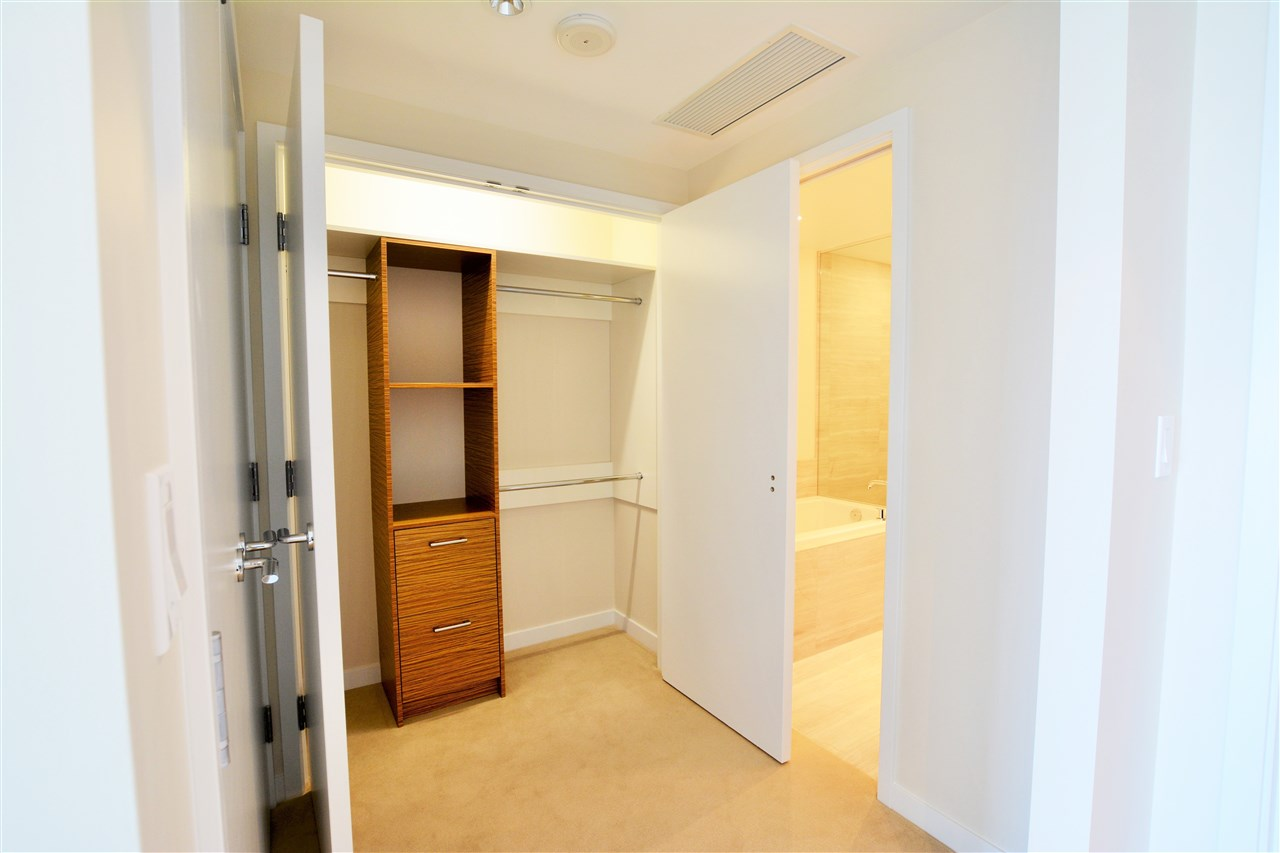 Condo Apartment at 1102 5199 BRIGHOUSE WAY, Unit 1102, Richmond, British Columbia. Image 13