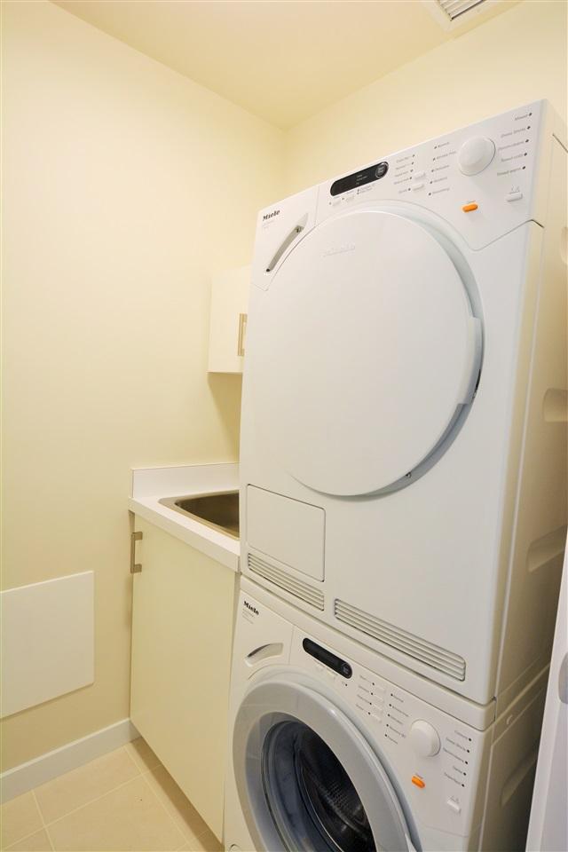 Condo Apartment at 1102 5199 BRIGHOUSE WAY, Unit 1102, Richmond, British Columbia. Image 17