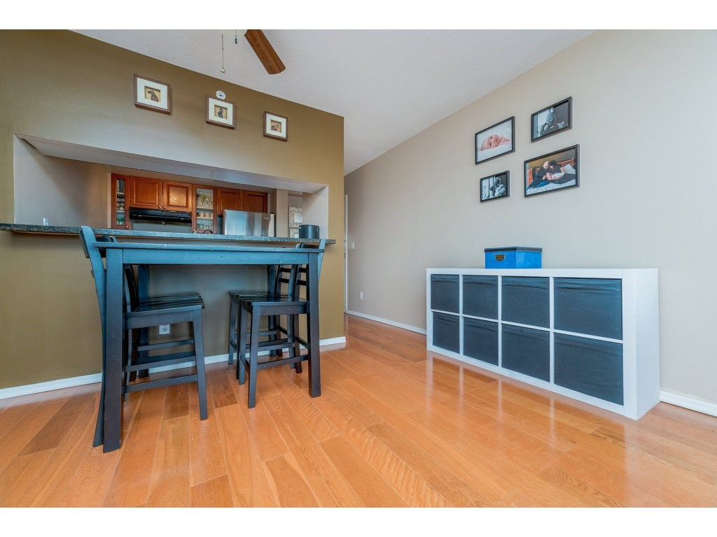 Condo Apartment at 1106 10523 UNIVERSITY DRIVE, Unit 1106, North Surrey, British Columbia. Image 8