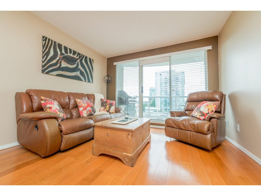Condo Apartment at 1106 10523 UNIVERSITY DRIVE, Unit 1106, North Surrey, British Columbia. Image 9