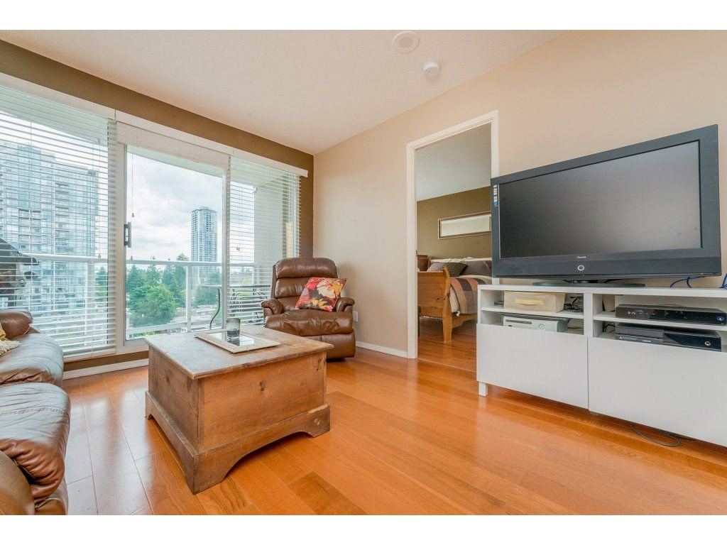 Condo Apartment at 1106 10523 UNIVERSITY DRIVE, Unit 1106, North Surrey, British Columbia. Image 10