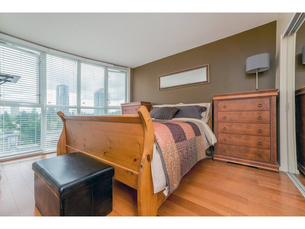 Condo Apartment at 1106 10523 UNIVERSITY DRIVE, Unit 1106, North Surrey, British Columbia. Image 13