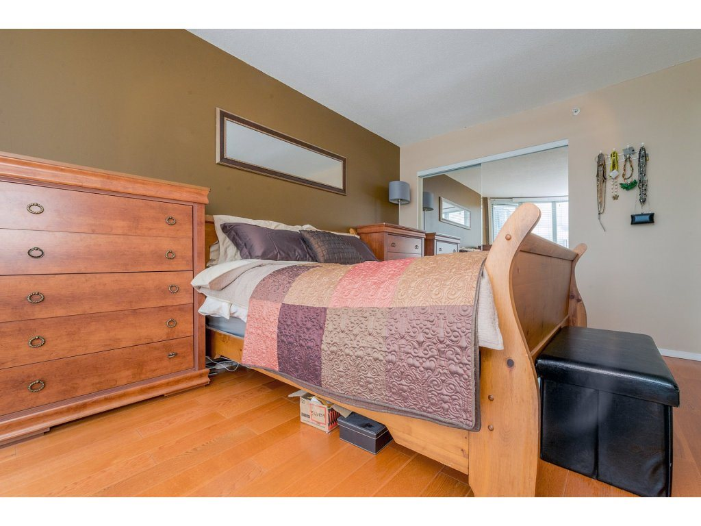 Condo Apartment at 1106 10523 UNIVERSITY DRIVE, Unit 1106, North Surrey, British Columbia. Image 14