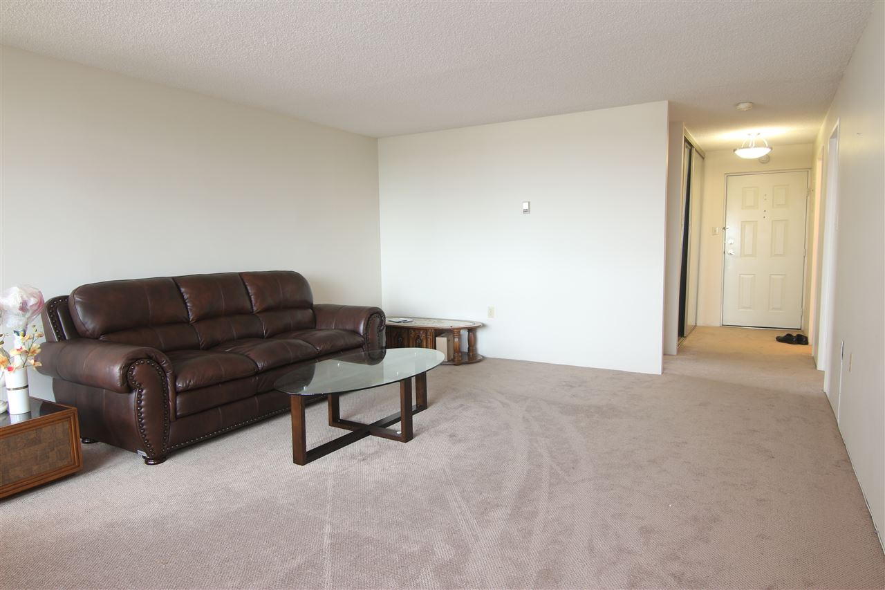 Condo Apartment at 711 6611 MINORU BOULEVARD, Unit 711, Richmond, British Columbia. Image 4