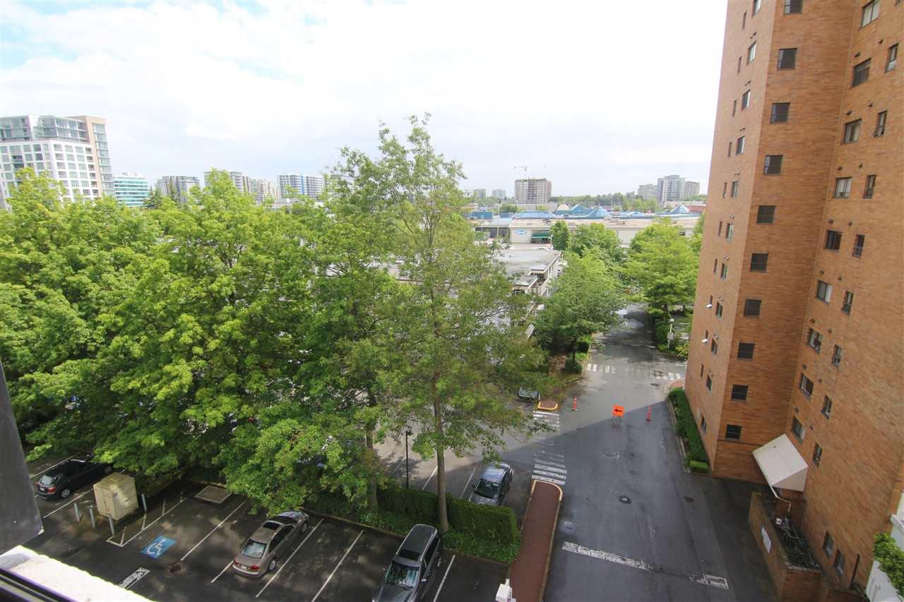 Condo Apartment at 711 6611 MINORU BOULEVARD, Unit 711, Richmond, British Columbia. Image 14