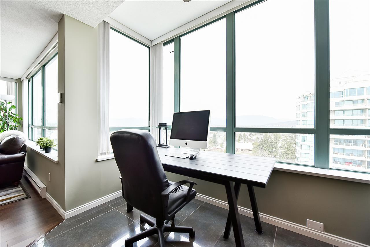 Condo Apartment at 1802 6622 SOUTHOAKS CRESCENT, Unit 1802, Burnaby South, British Columbia. Image 3