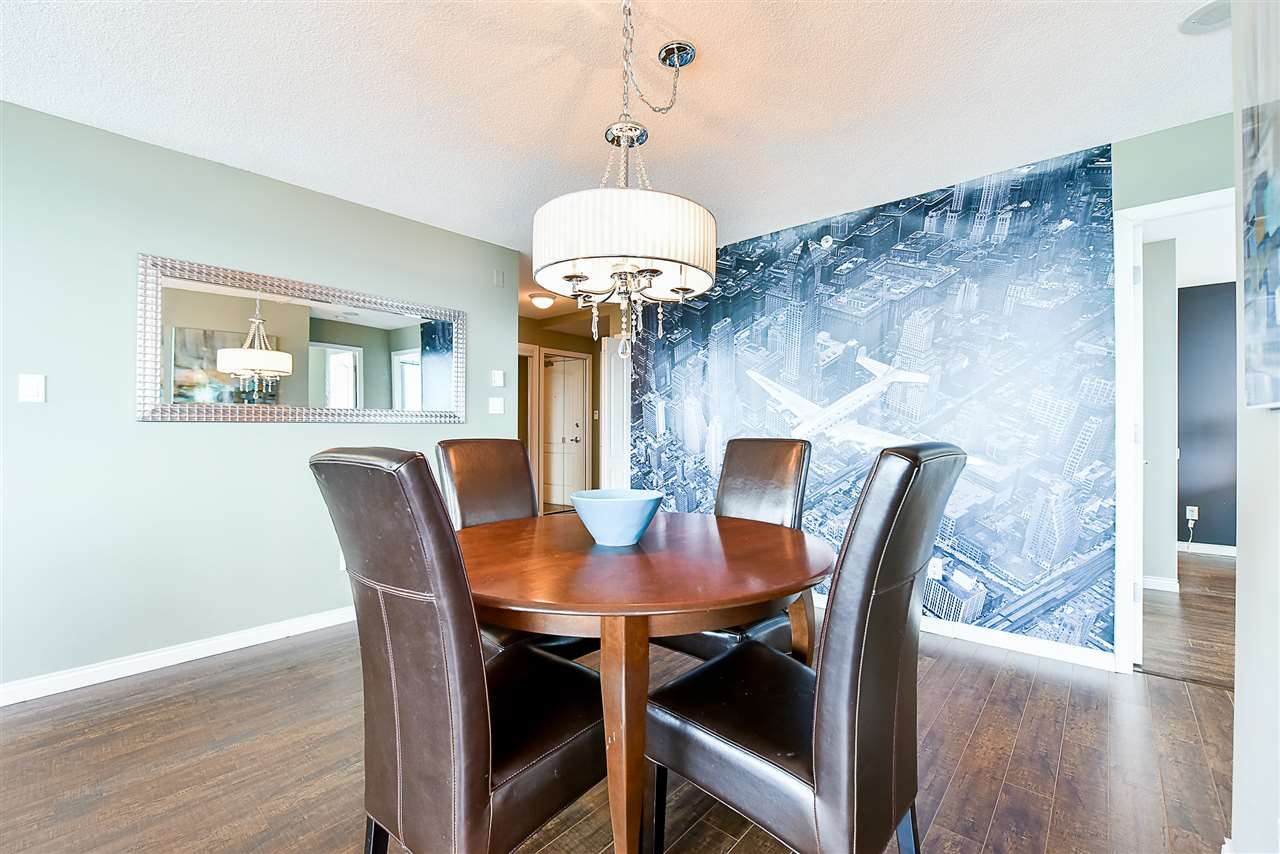 Condo Apartment at 1802 6622 SOUTHOAKS CRESCENT, Unit 1802, Burnaby South, British Columbia. Image 6