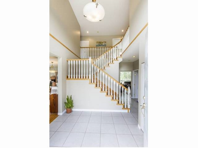 Detached at 5630 SPRUCE STREET, Burnaby South, British Columbia. Image 2