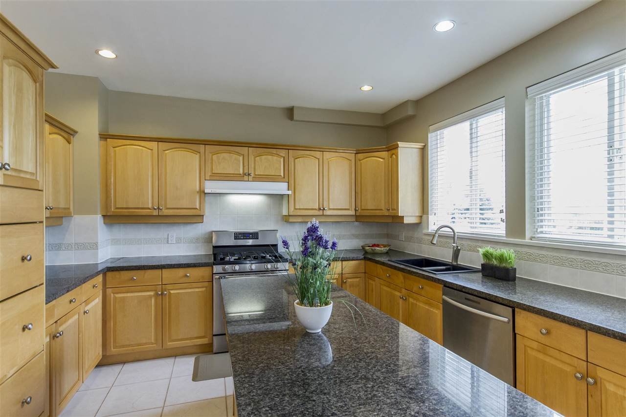 Detached at 5630 SPRUCE STREET, Burnaby South, British Columbia. Image 6