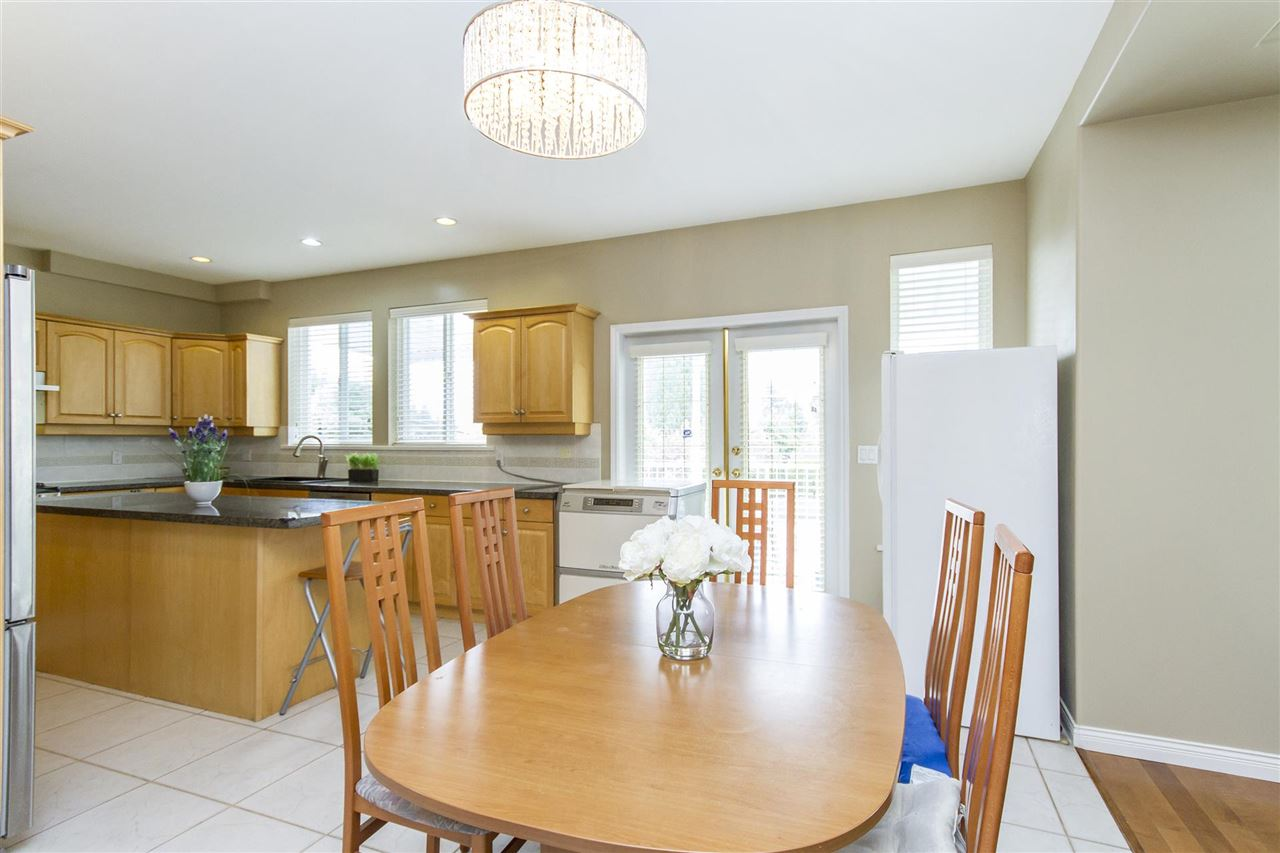 Detached at 5630 SPRUCE STREET, Burnaby South, British Columbia. Image 7