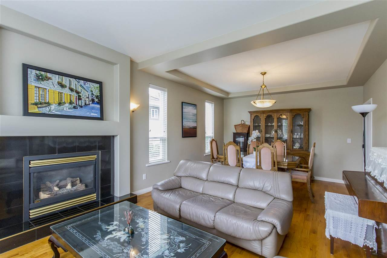 Detached at 5630 SPRUCE STREET, Burnaby South, British Columbia. Image 8