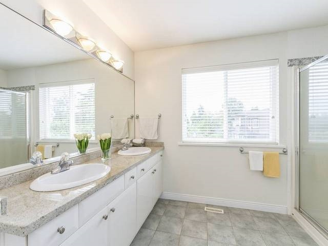 Detached at 5630 SPRUCE STREET, Burnaby South, British Columbia. Image 10