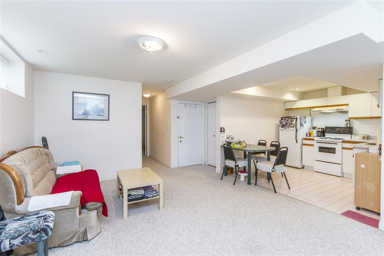 Detached at 5630 SPRUCE STREET, Burnaby South, British Columbia. Image 16