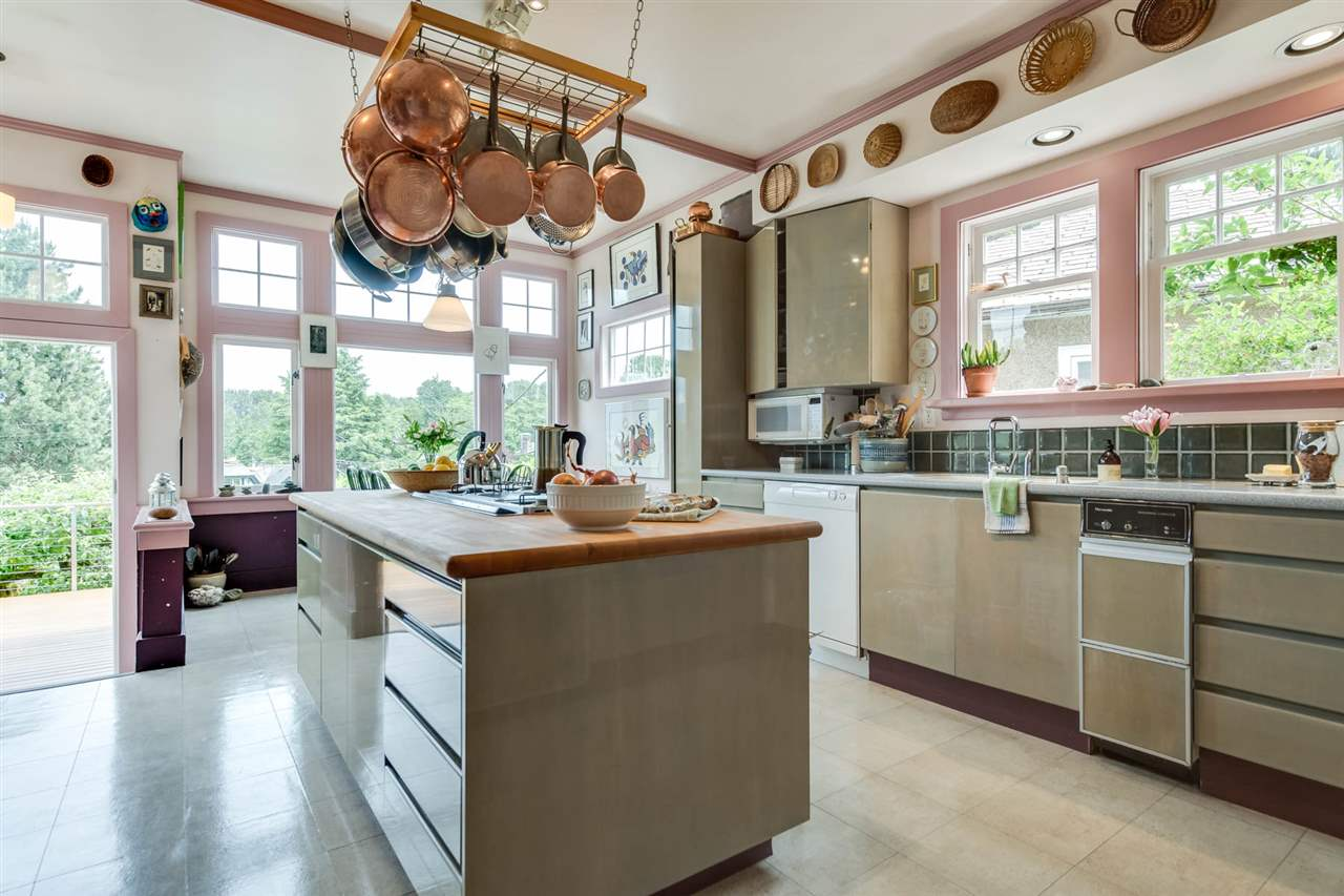 Detached at 4363 LOCARNO CRESCENT, Vancouver West, British Columbia. Image 8