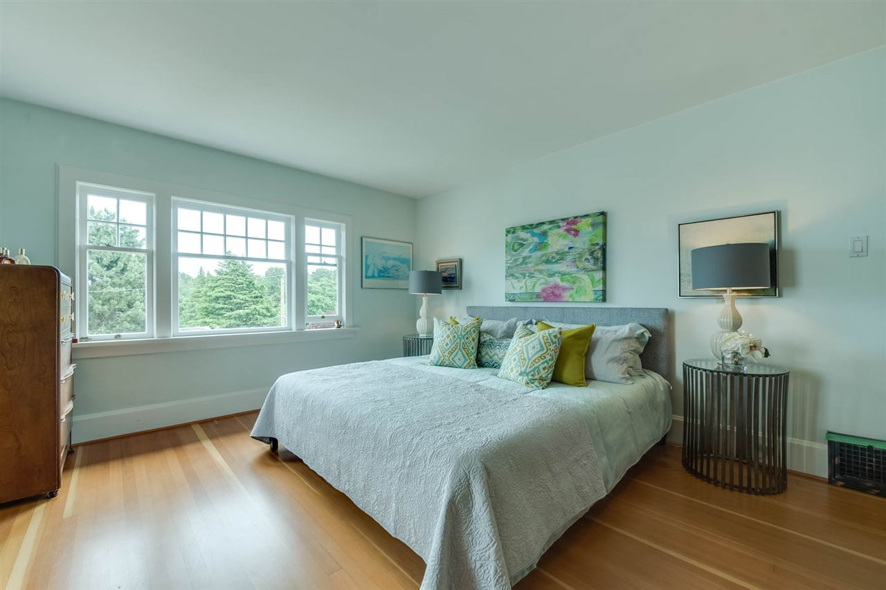 Detached at 4363 LOCARNO CRESCENT, Vancouver West, British Columbia. Image 11