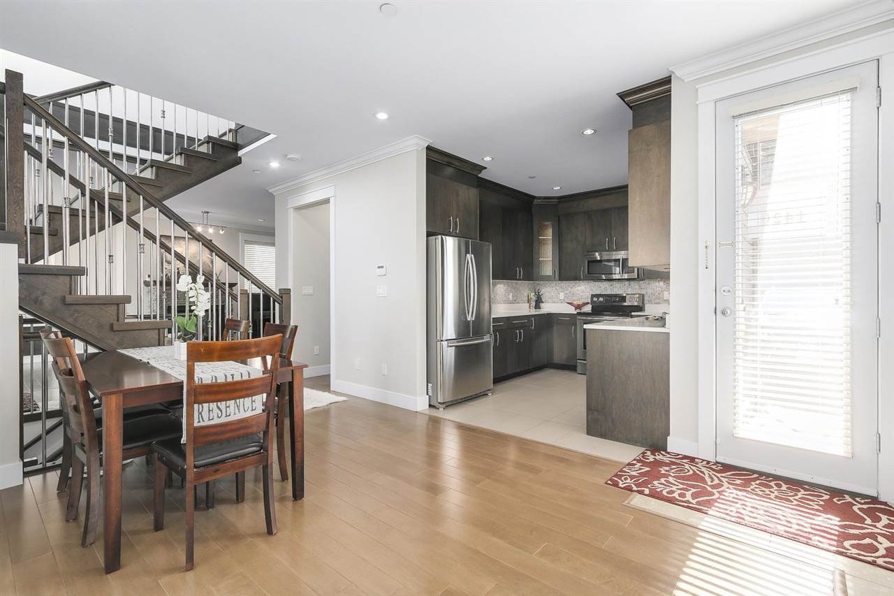 Detached at 1420 BEWICKE AVENUE, North Vancouver, British Columbia. Image 6