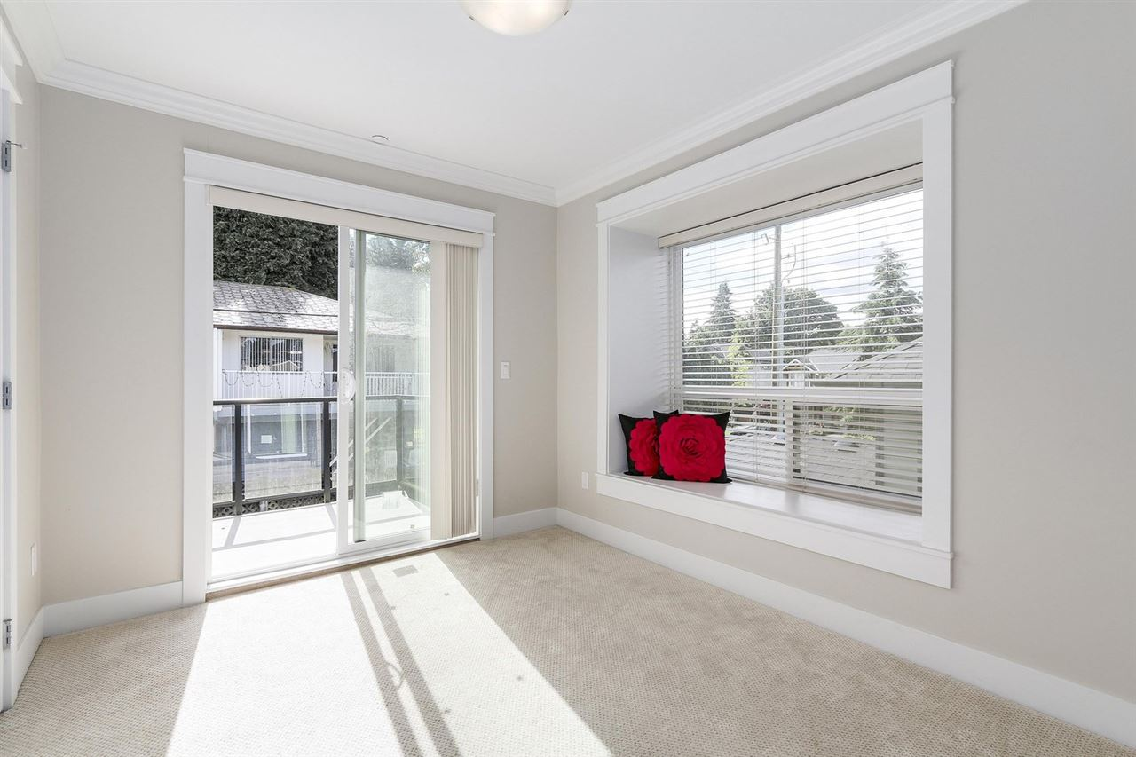 Detached at 1420 BEWICKE AVENUE, North Vancouver, British Columbia. Image 17
