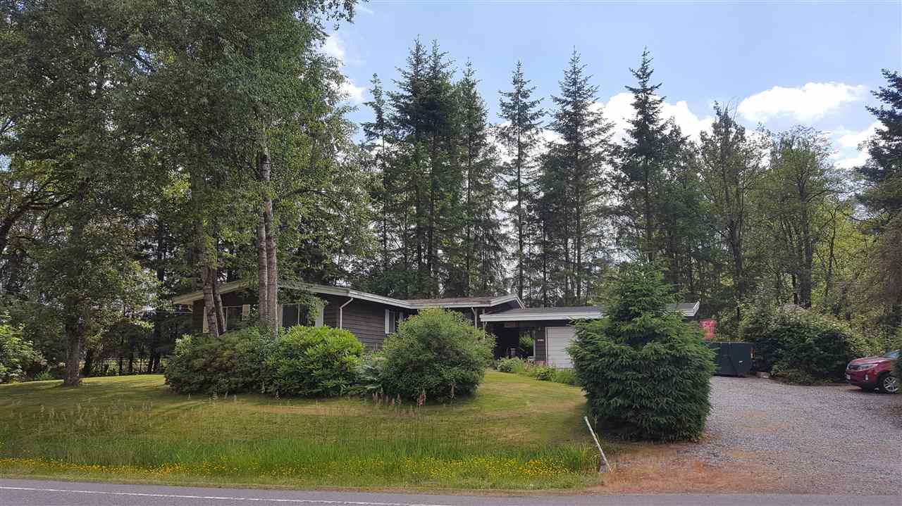 Detached at 24290 ROBERTSON CRESCENT, Langley, British Columbia. Image 1
