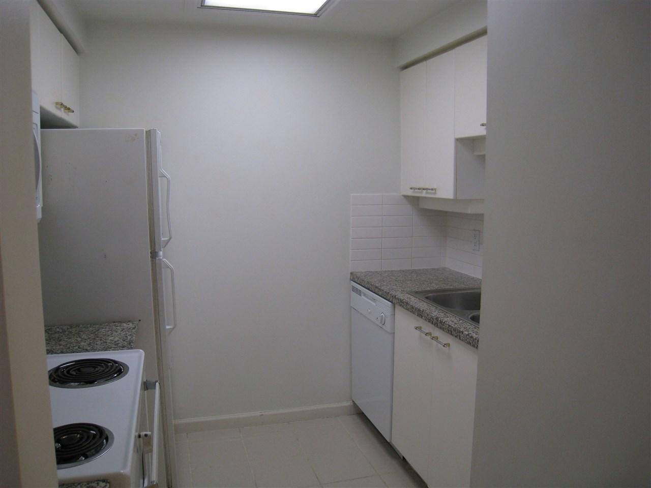 Condo Apartment at 1305 388 DRAKE STREET, Unit 1305, Vancouver West, British Columbia. Image 4