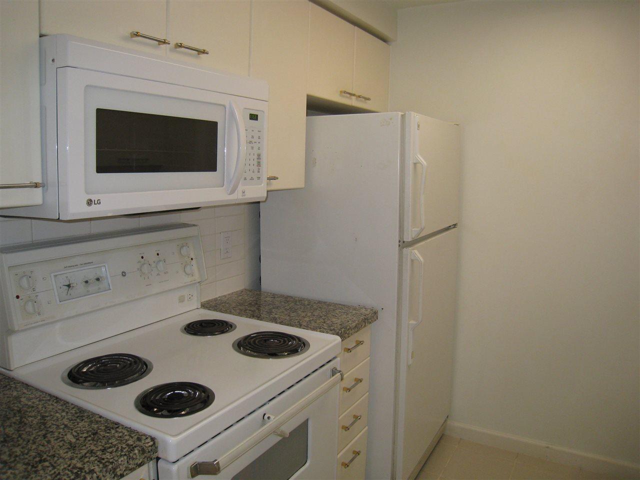 Condo Apartment at 1305 388 DRAKE STREET, Unit 1305, Vancouver West, British Columbia. Image 6